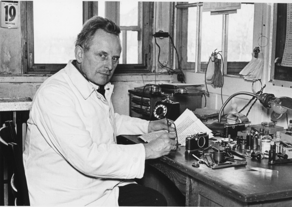 Barnack-in-1933.jpg