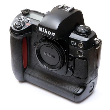 Nikon_D1_8373.jpg