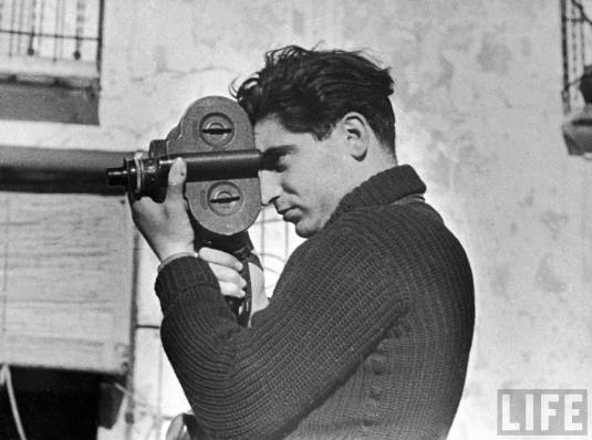 Robert-Capa-autoritratto.jpg