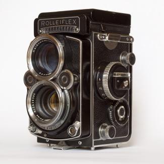 Rolleiflex_f2-8-F.jpg